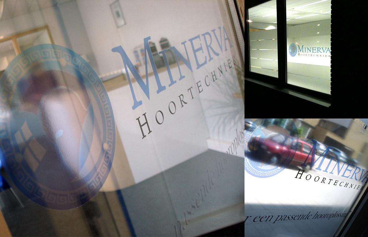 minerva huisstijl visitekaartjes drukwerk logo brochures praktijk stickers bestickering